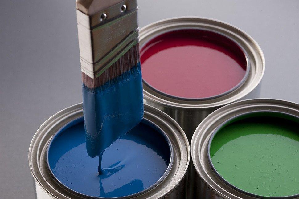 Краска-«синтетика»: особенности и преимущества